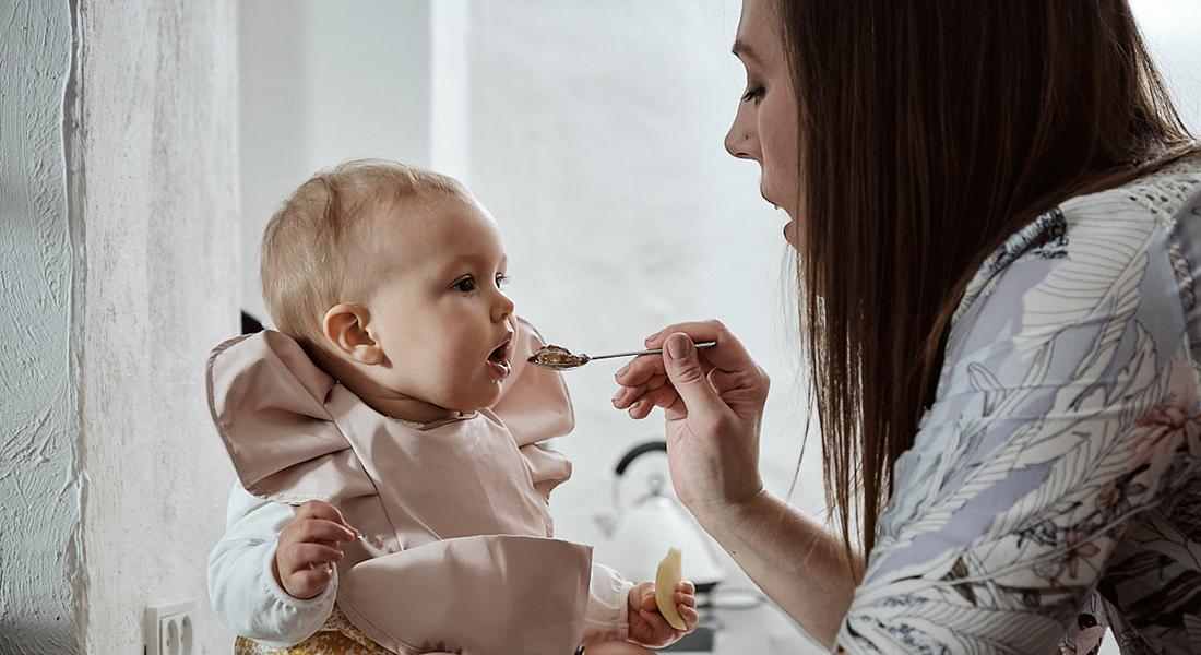 Mor mader baby. Foto: Christoffer Regild